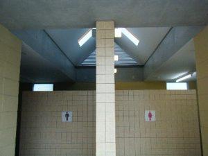 勝浦港 トイレ02