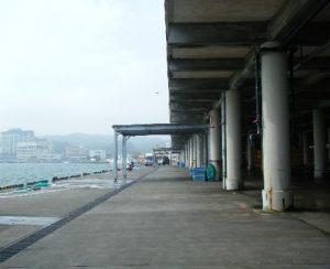 勝浦港 漁港前