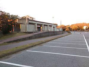 上総湊港 駐車場02