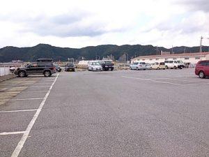 小湊港 駐車場01