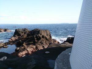 安房崎灯台 前の島01