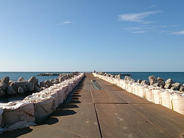 島見浜縦堤01