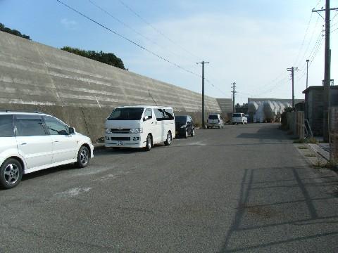 鴨川漁港 駐車場02