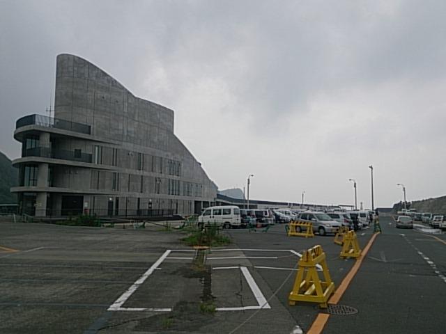 大島 岡田港 フェリーターミナル