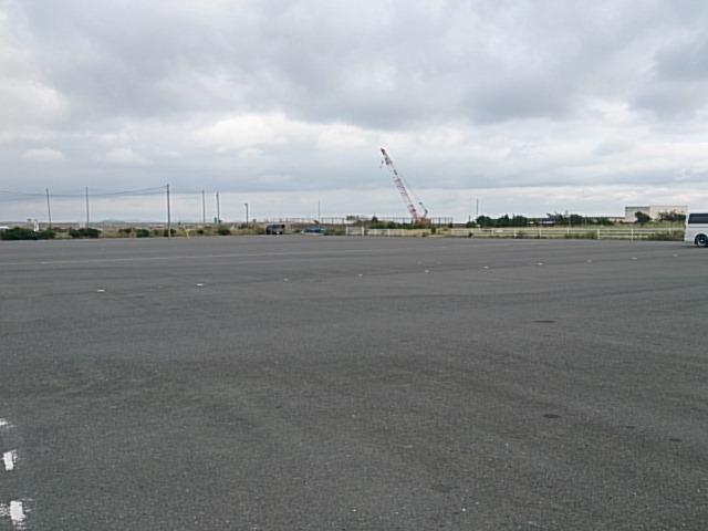 平塚新港駐車場