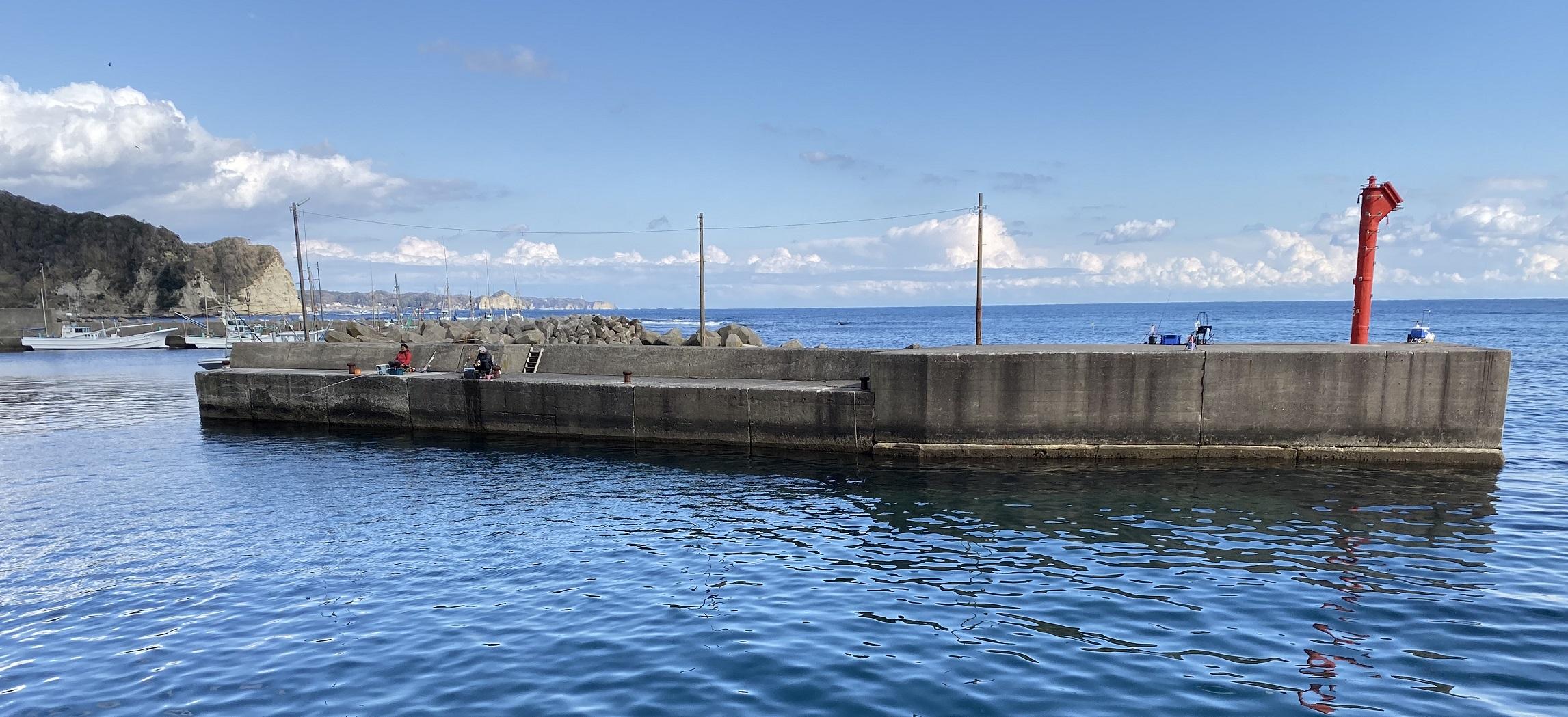 浜行川漁港 左堤防