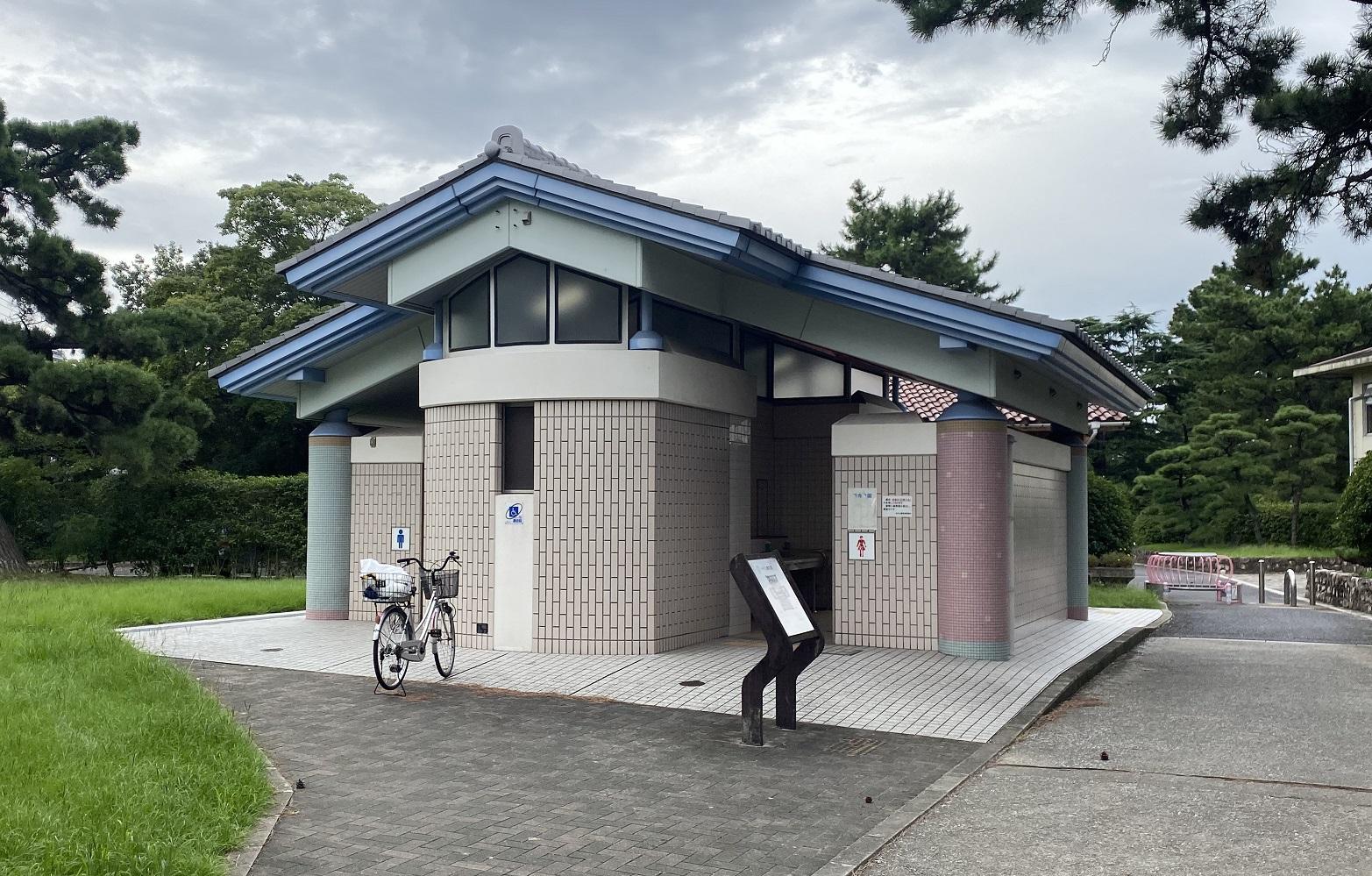 浜寺公園 トイレ04