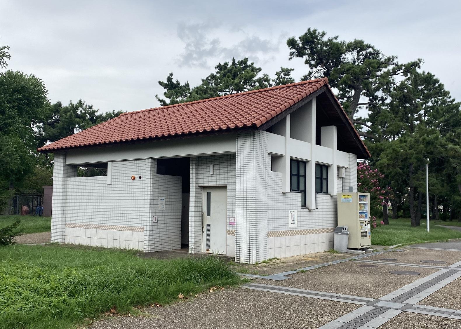 浜寺公園 トイレ02