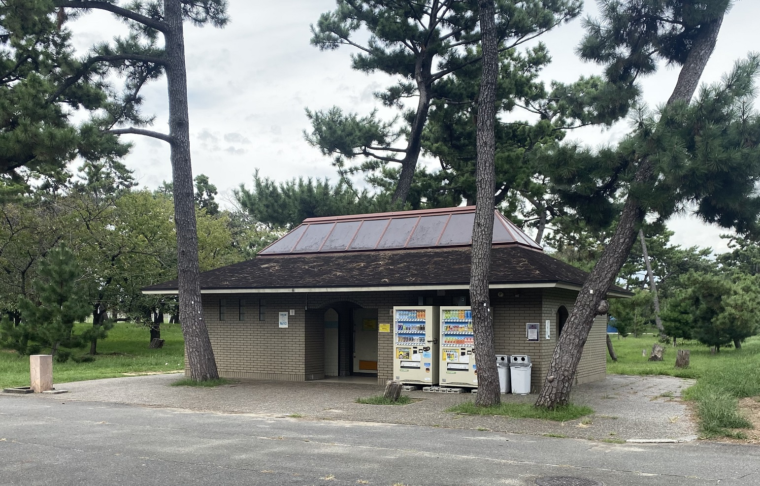浜寺公園 トイレ01