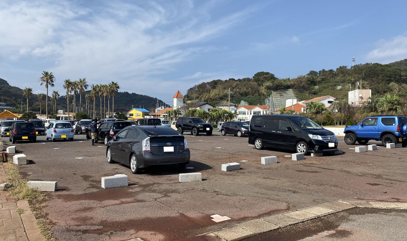 伊王島港 駐車場