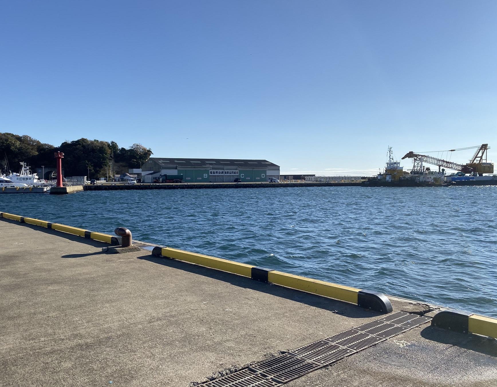 小名浜港魚市場前T字堤02