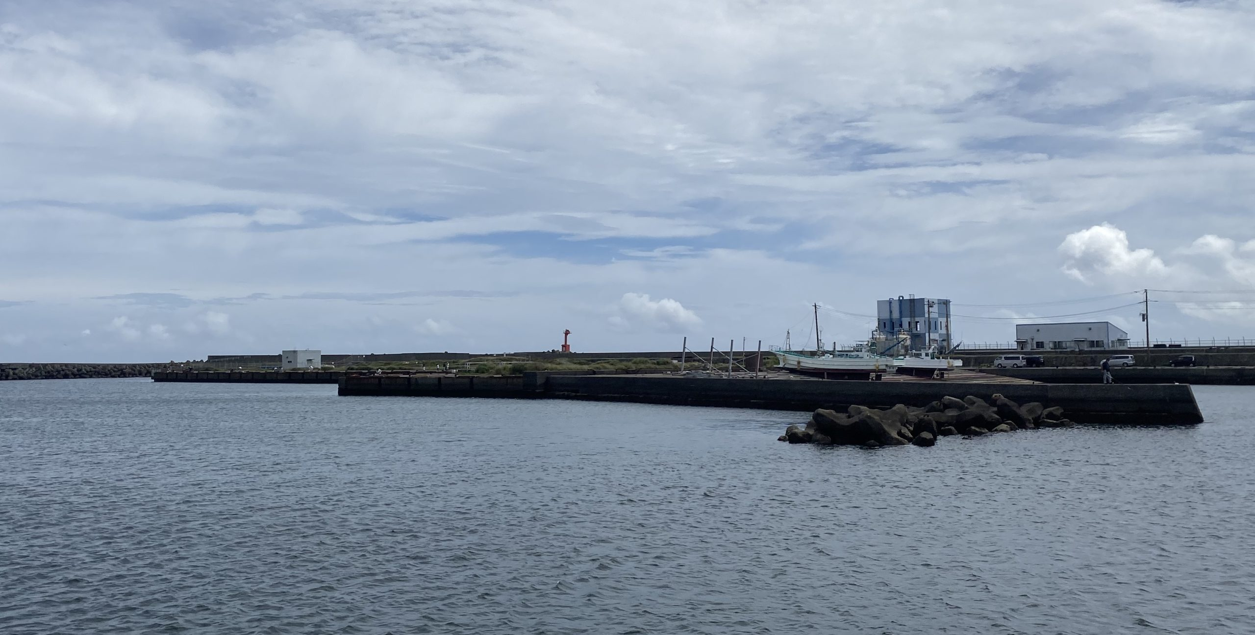 乙浜港 釣り 沖側護岸ポイント