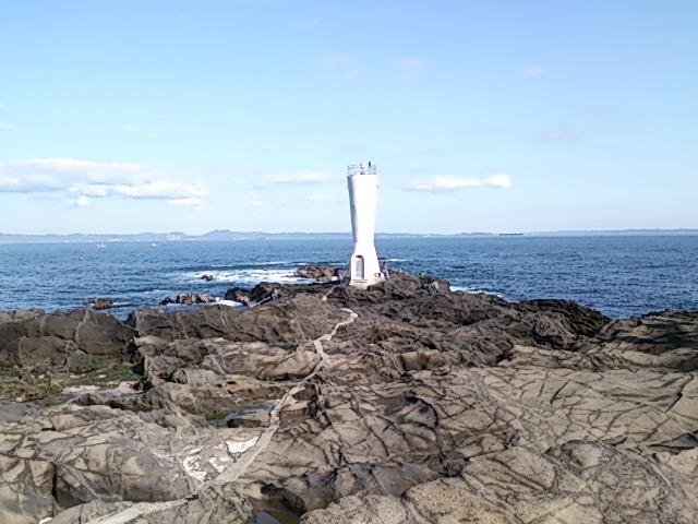 安房崎灯台全景