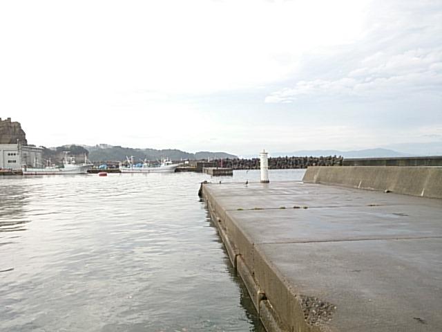 平潟港 白灯堤防