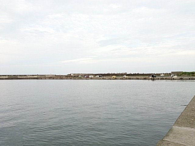 平潟港 右堤防