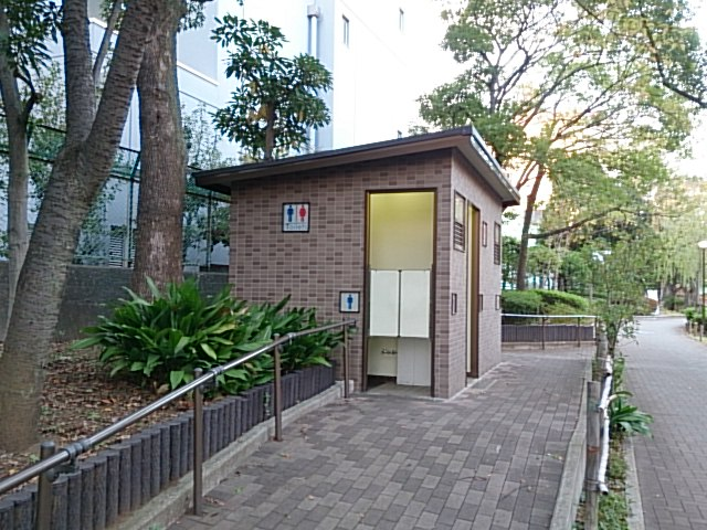横十間川親水公園 仙台堀川公園トイレ02