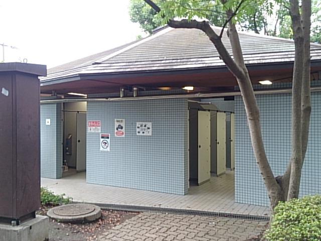 木場公園 トイレ
