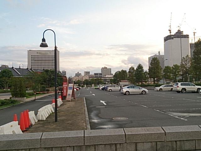 赤レンガパーク 駐車場