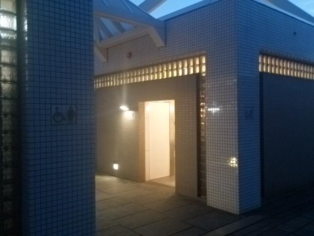 赤レンガパーク トイレ02