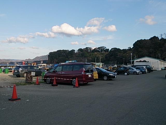 足保港 駐車場