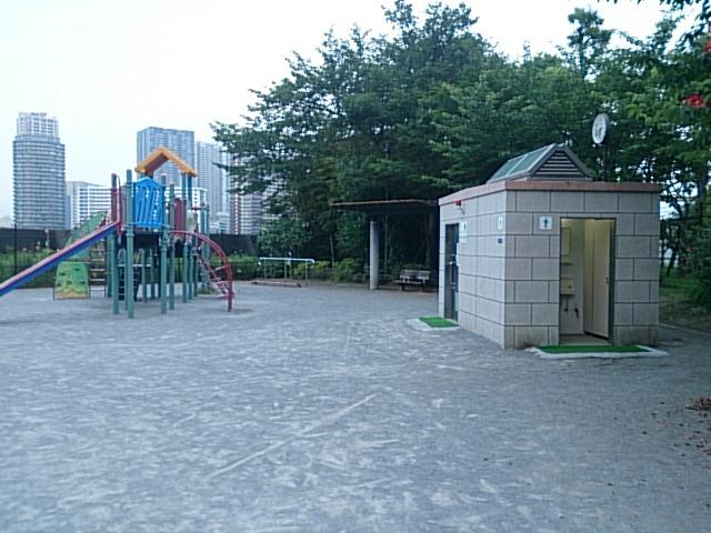 月島 佃三丁目公園裏 トイレ