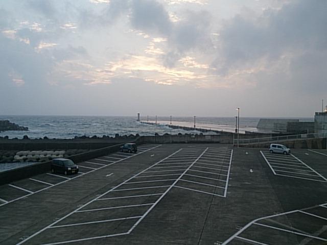 大島 元町港 駐車場02