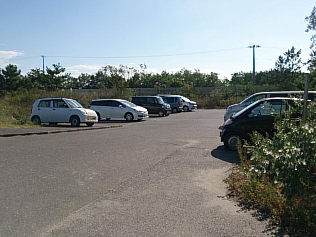 島見浜縦堤 駐車場02