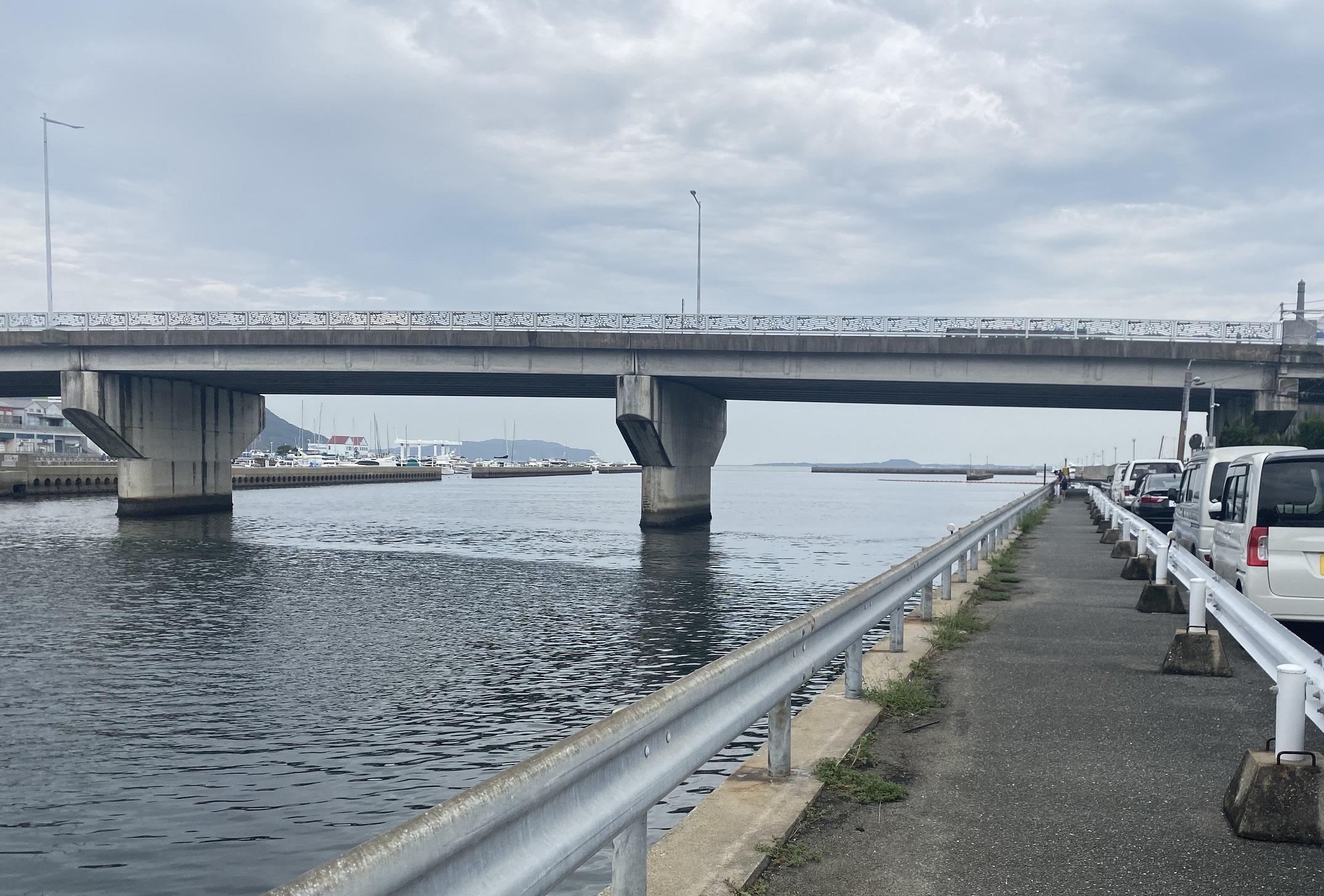 姪浜港マリナ大橋下01