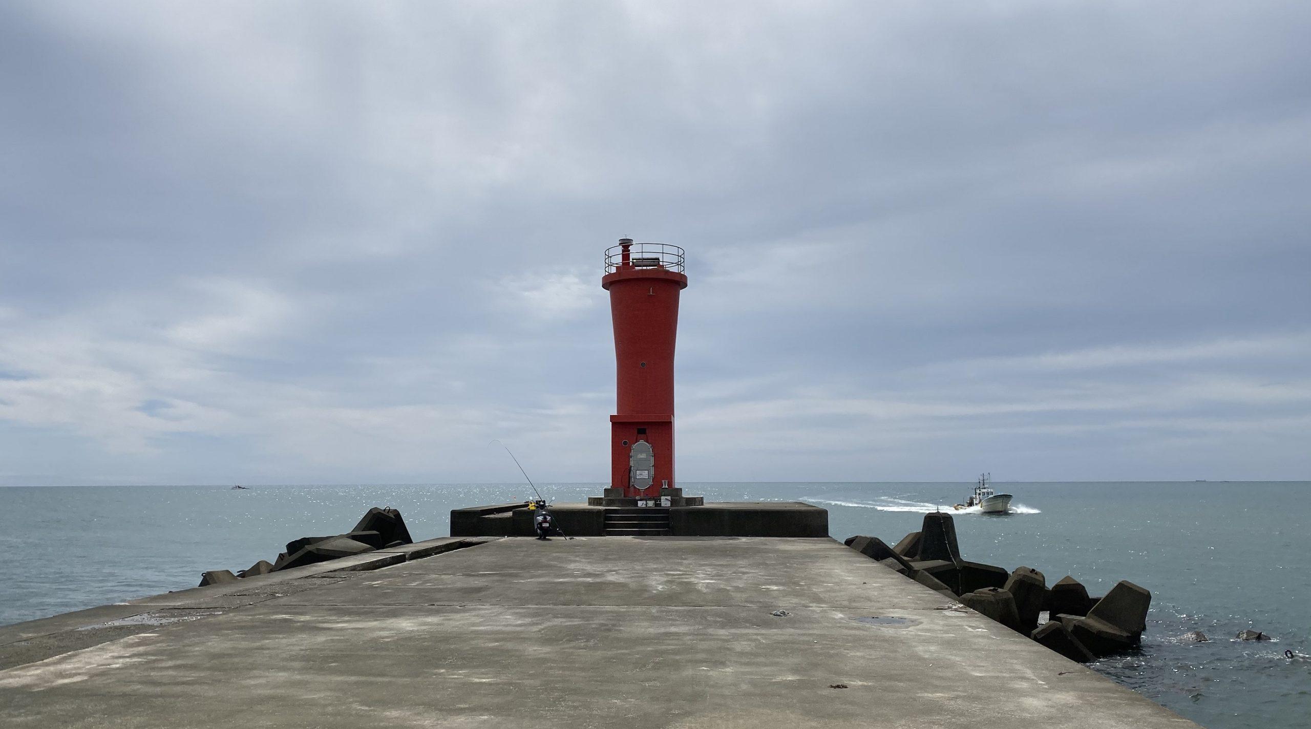 赤羽根港 赤灯台
