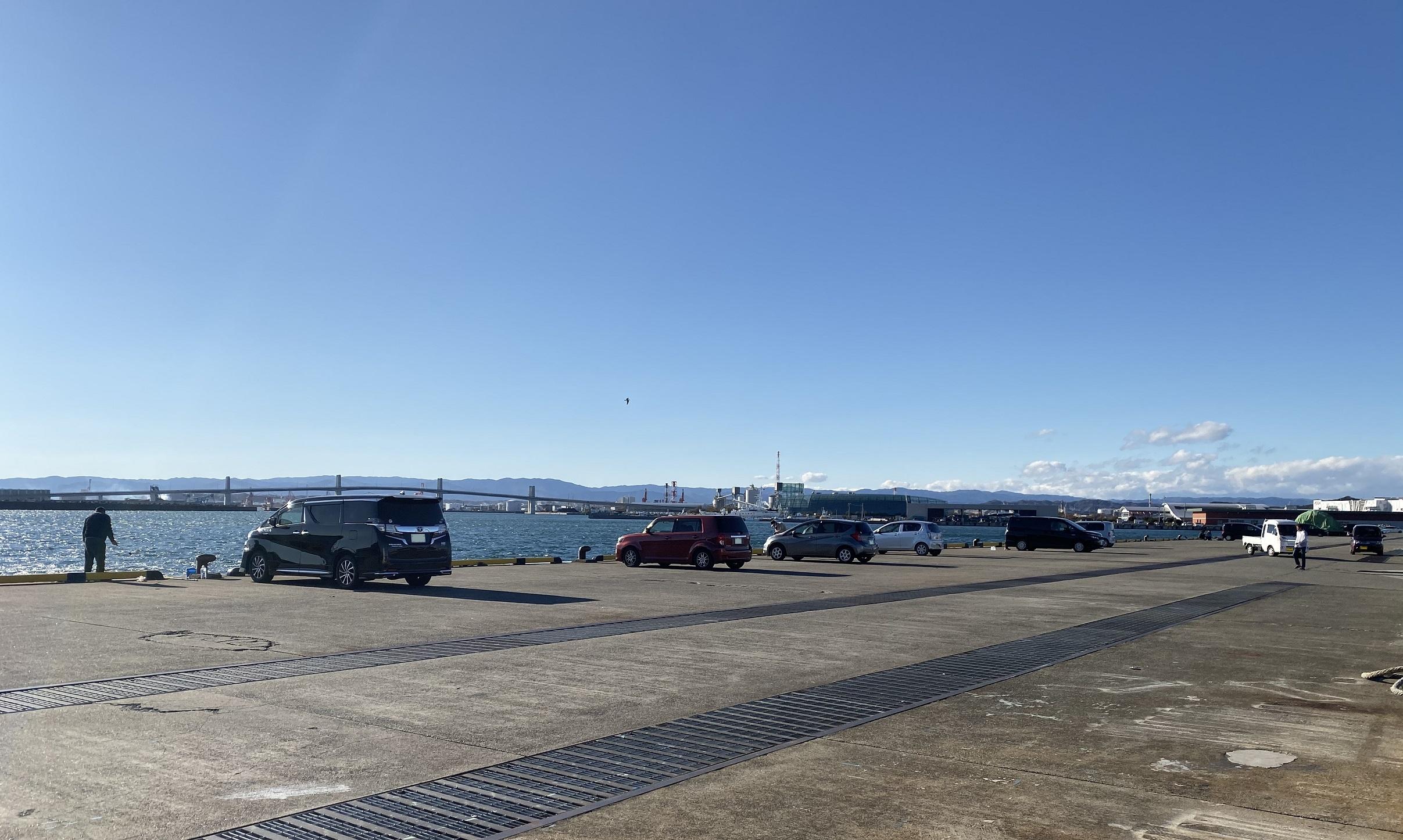 小名浜港魚市場前T字堤 駐車場