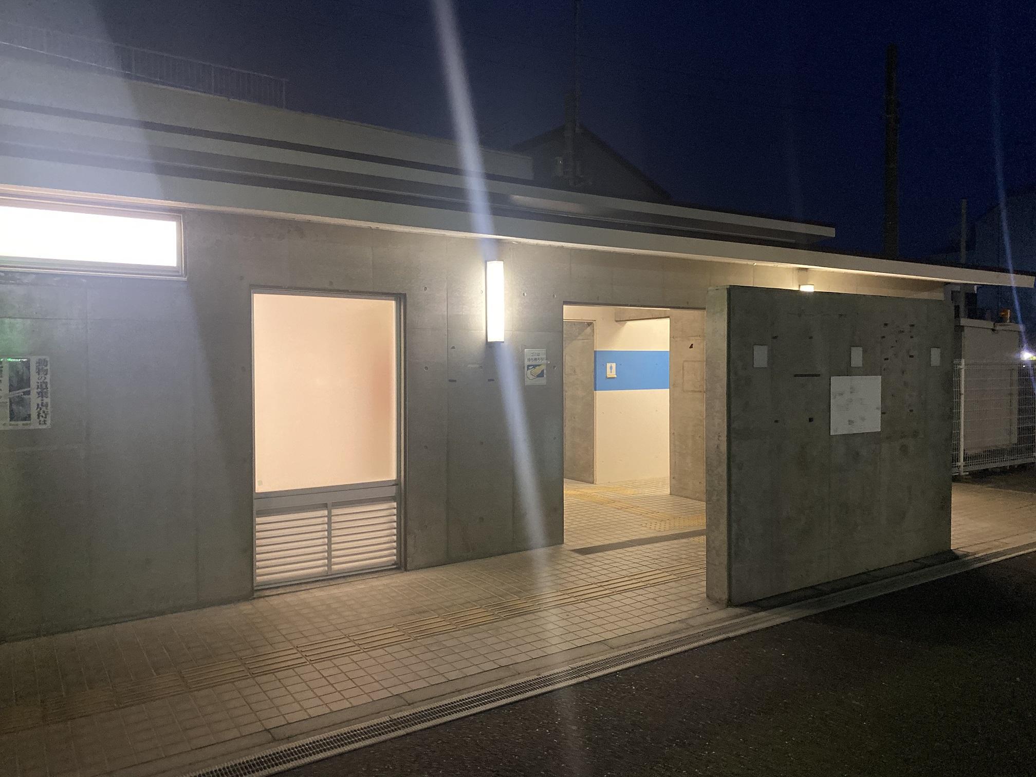 城ヶ島公営駐車場トイレ
