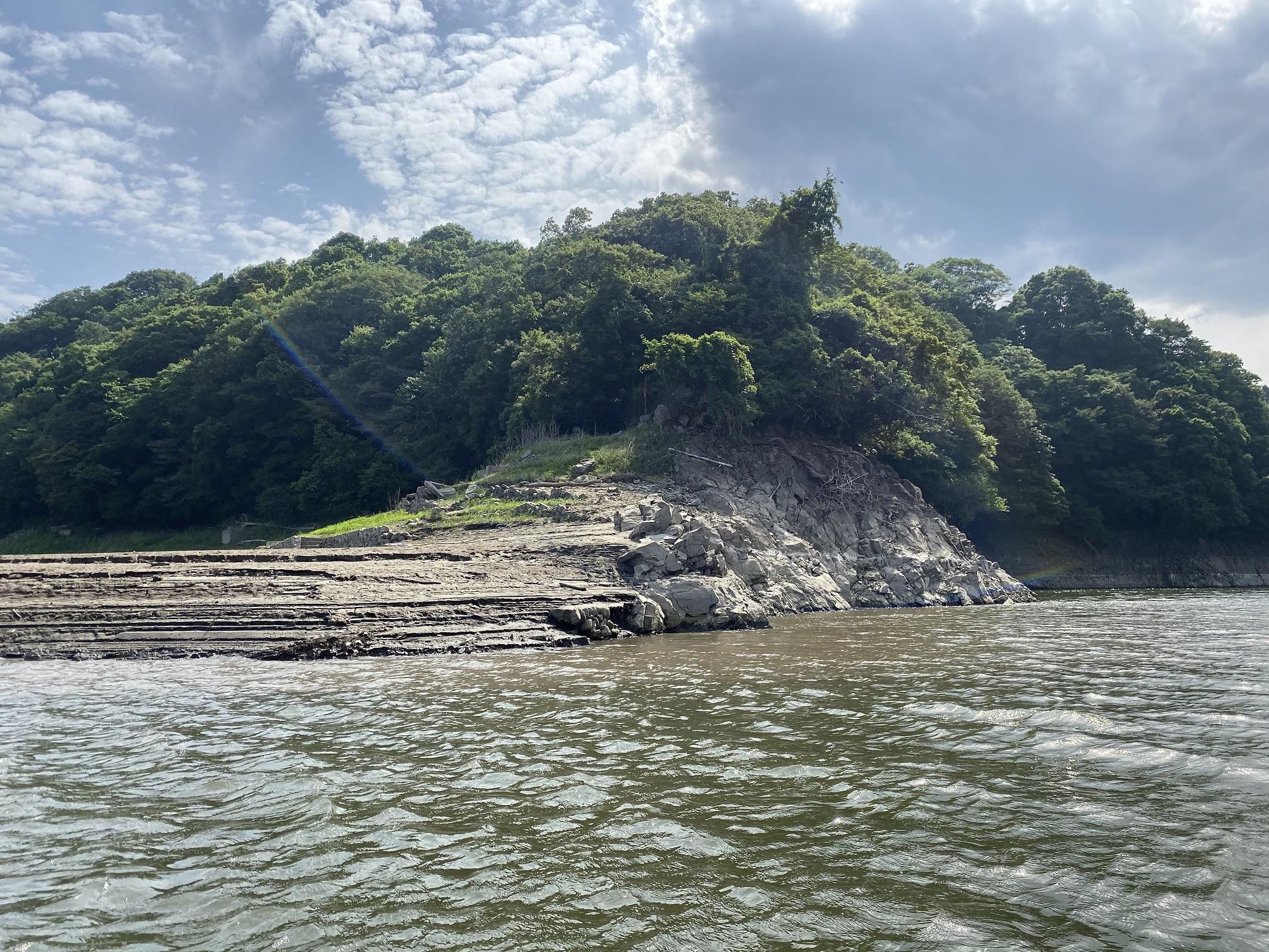 津久井湖 4番岬 正面