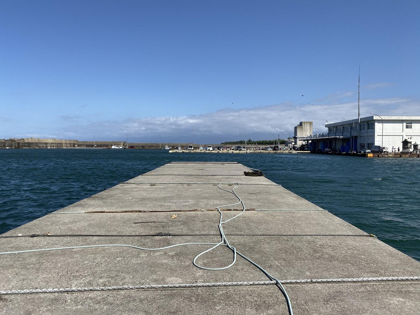 富山 岩瀬漁港