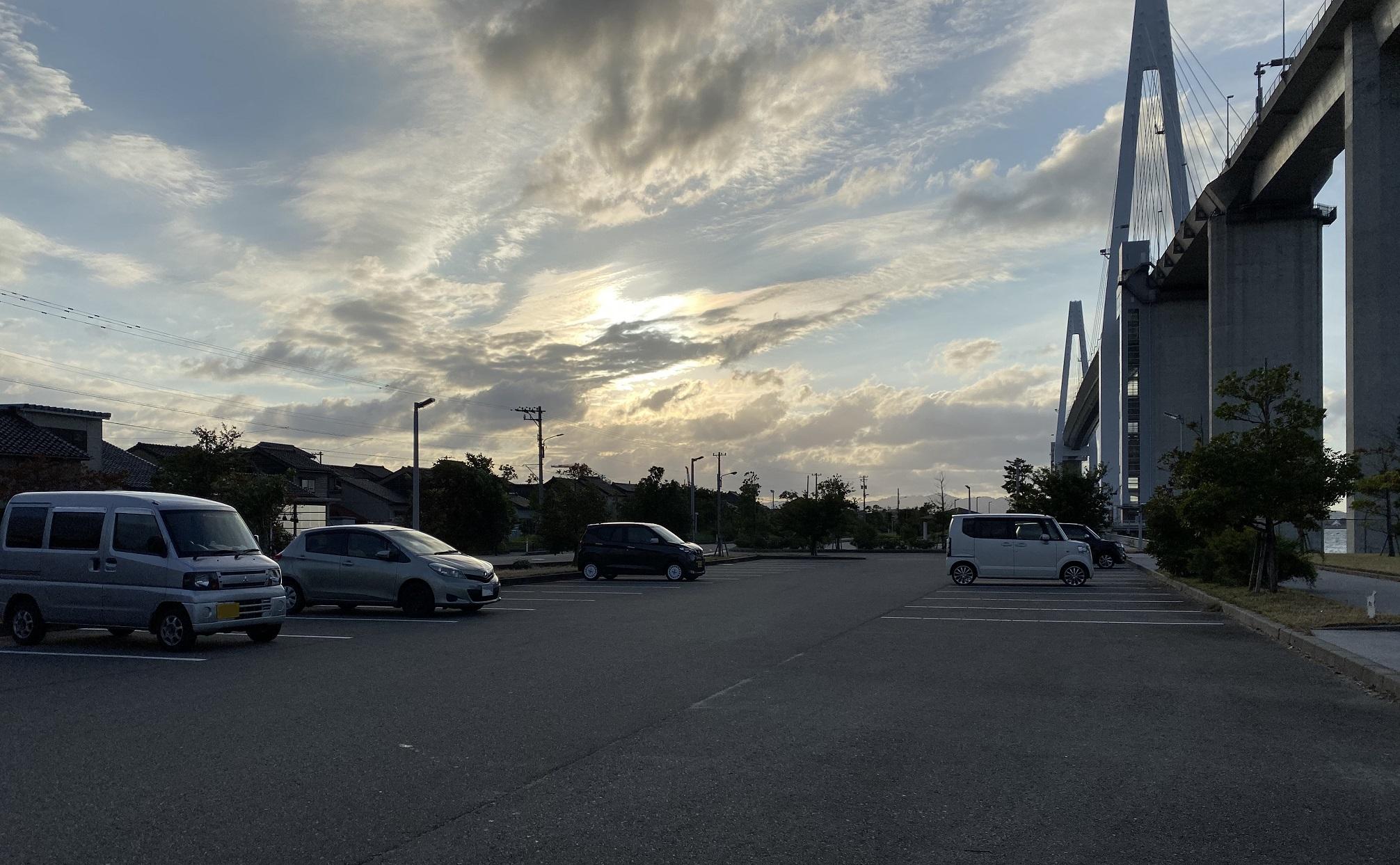 富山新港 堀岡緑地 駐車場
